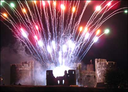 firewors at a castle - Manchester Fireworks